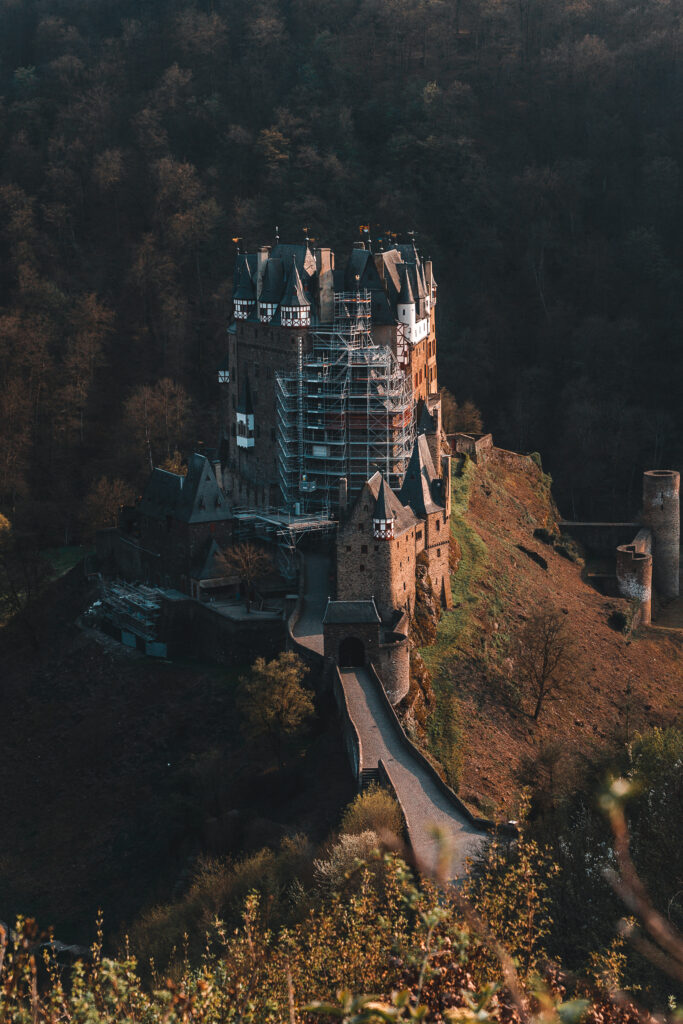 Eltz Castle Travel Guide