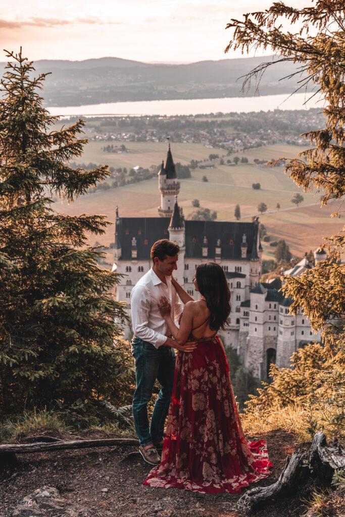 Neuschwanstein Castle Photography |Romantic couple photography at Schloss Neuschwanstein